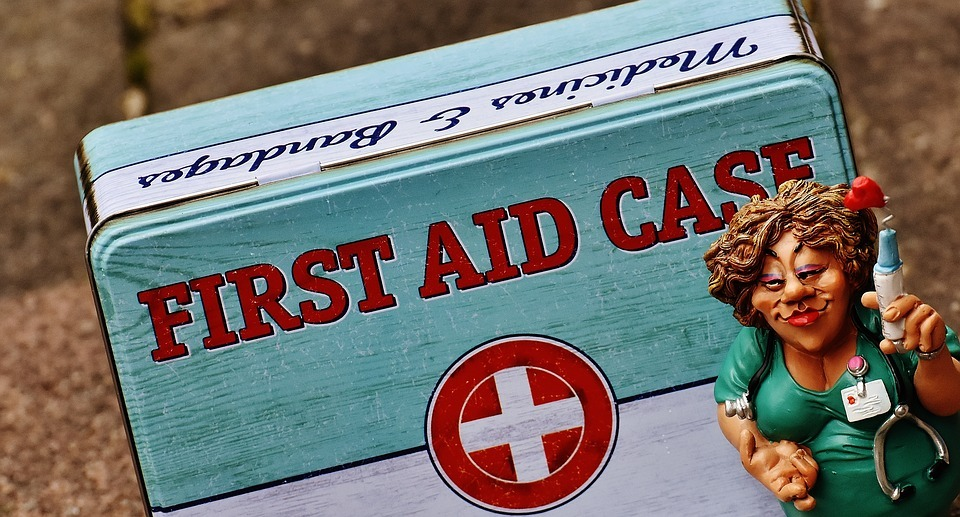 first-aid-case
