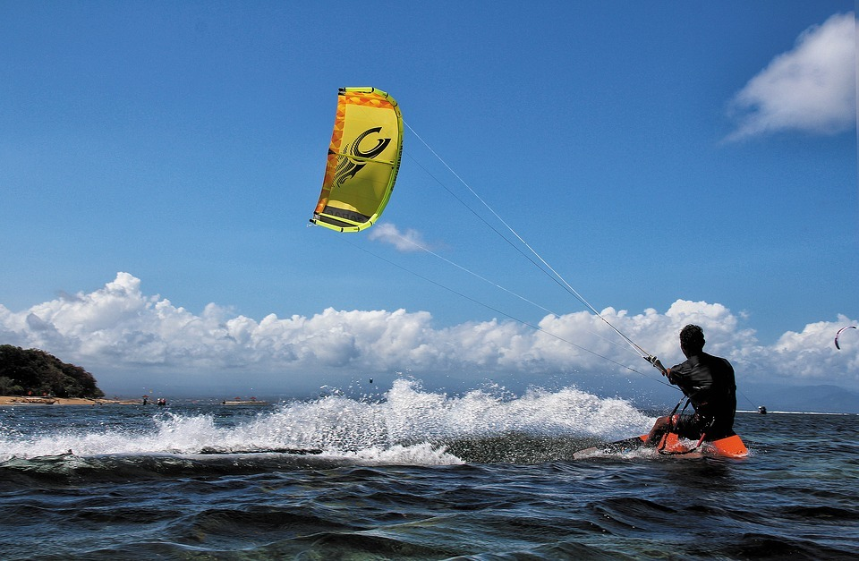 how-to-kite-surf-upwind