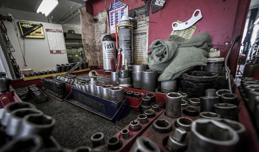 tool box kayak assembly
