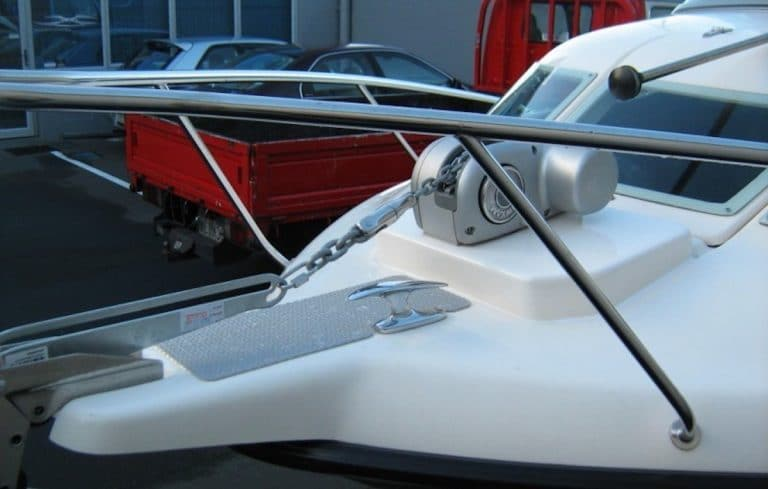 anchor windlass featured