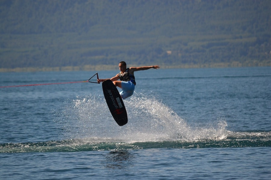 wakeboard-in the air